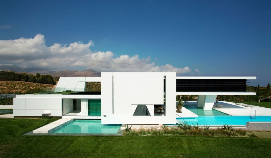 Charming Side View Futuristic House Design